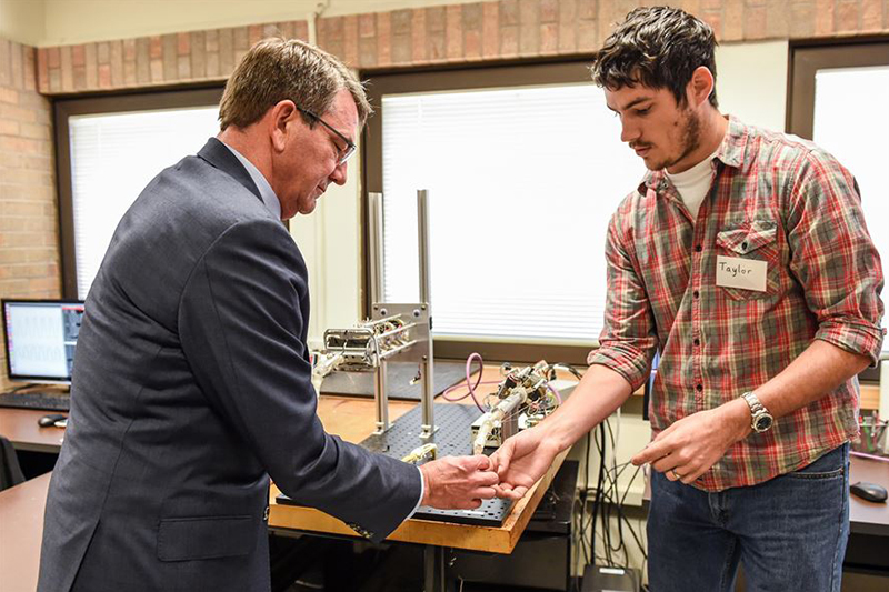 Defense Secretary Ash Carter tours the Rehabilitation and Neuromuscular Robotics Lab.