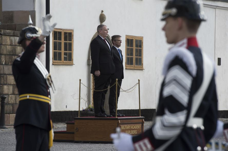 Deputy Defense Secretary Bob Work stands with Swedish State Secretary Jan Salestrand